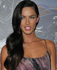200px-Megan_Fox_promoting_Transformers_in_Paris