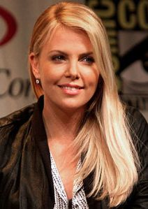 250px-Charlize_Theron_WonderCon_2012_(Straighten_Crop)