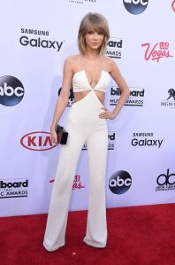 Taylor-Swift-attends-the-2015-Billboard-Music-Awards