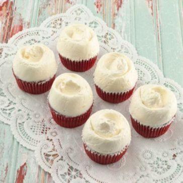 red-velvet-cupcakes.90511b20d1b6f559300c891b64ffba39