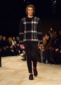 Burberry Menswear January 2016 Collection - Look 45